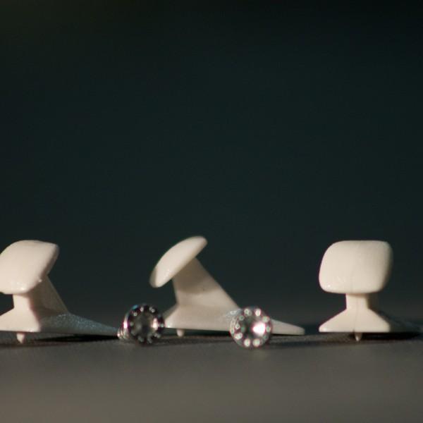 sol-kaihdin-narulukko-valkoinen